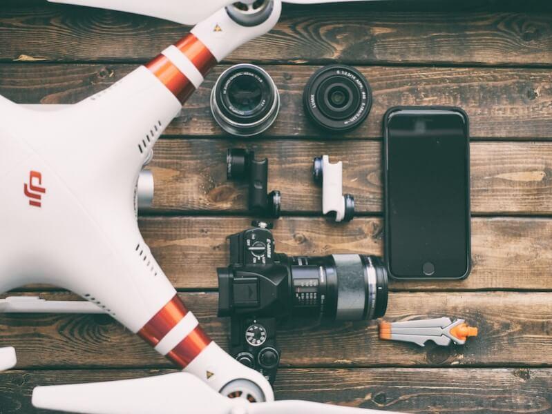 ドローンとカメラ