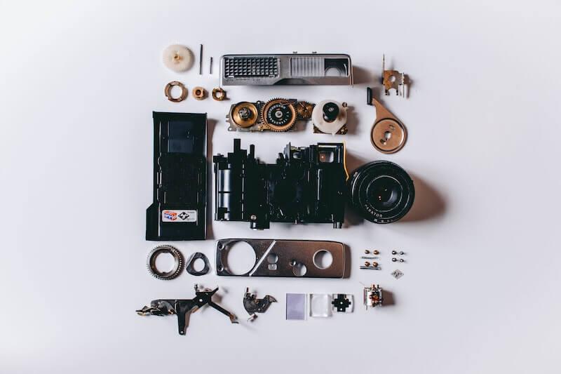 分解されたカメラ